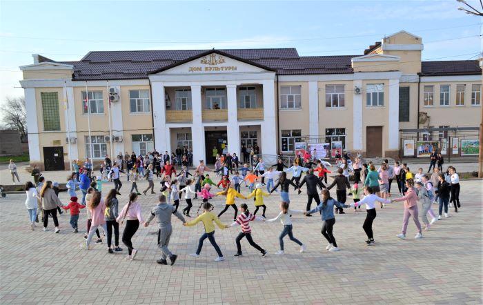 Флешмоб «Танцуют вместе»